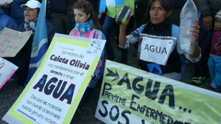 CALETA-OLIVIA-SIN-AGUA-SANTA-CRUZ-28-540x372