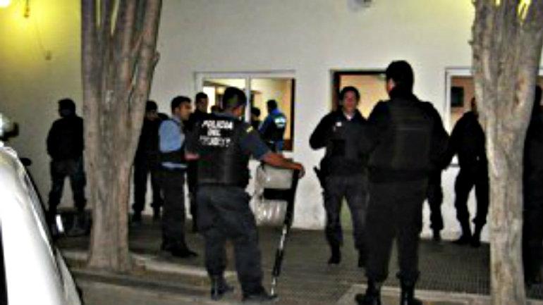 POLICIA-CHUBUT-TRELEW-2-300x162