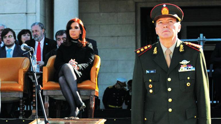 "El general César Milani, nombrado por Cristina Fernández de Kirchner, prometió ""un nuevo Ejército"" (foto: Ejército de Argentina)"