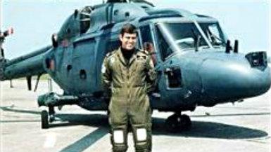 El Príncipe Andrés escribió el prólogo y confirma la salida del helicóptero de la operación 'Plum Duff'