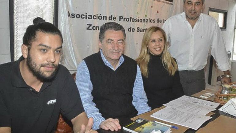 Jorge Yabkowski (centro) se reunió con el flamante secretario general de la CTA Zona Norte, Carlos Garzón, y dirigentes provinciales de APROSA que preside Andrea Pérez.