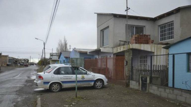 La vivienda del menor fue allanada por efectivos policiales de la Seccional Cuarta de Policía.