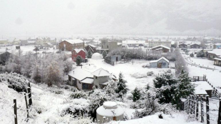 La parte norte de El Chaltén con sus casas nevadas