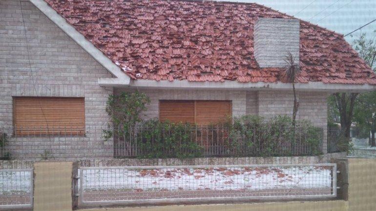 El techo de una casa, destrozado