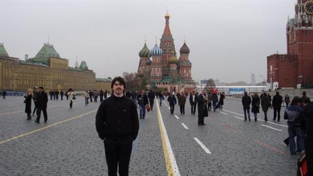 De paseo por la Plaza Roja, en Moscú. Foto: Facebook