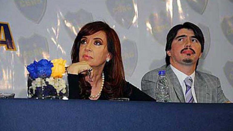 Cristina Kirchner se mostró junto a Martín Báez en un acto en el club Boca Río Gallegos, que era financiado por el emporio empresario del contratista de la obra pública.