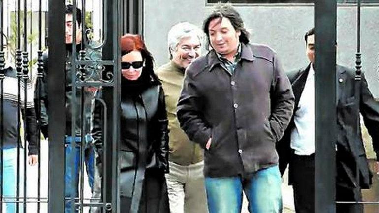 Máximo, Cristina y Lázaro Báez, tras una visita al mausoleo donde están los restos de Kirchner.