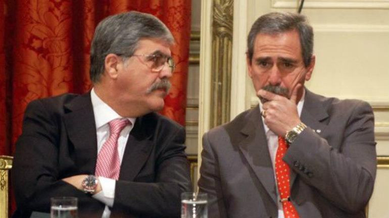 Julio De Vido y Ricardo Jaime deberán comparecer ante la Justicia por presuntos hechos de corrupción en LAFSA, la línea aérea que nunca voló. (NA)